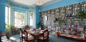 Cottonwood hotel library Pic